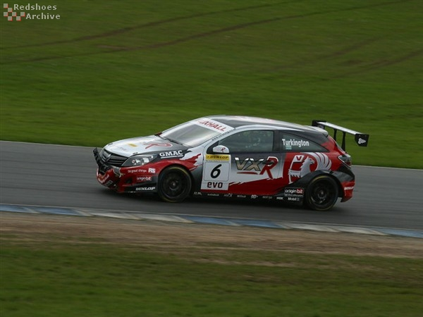 Colin Turkington - Vauxhall Astra Sport Hatch
