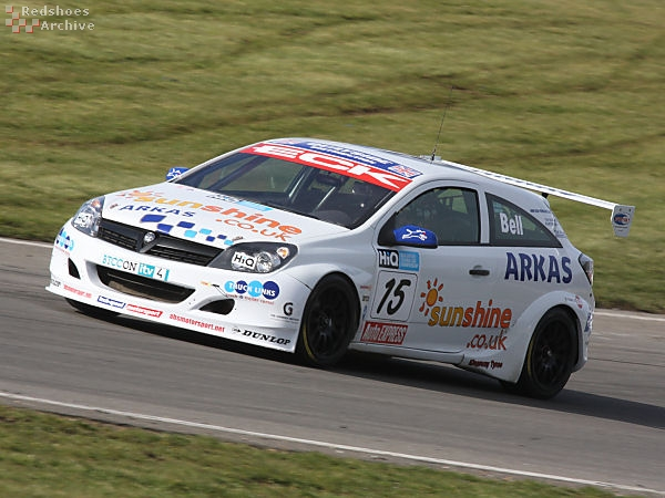 Martyn Bell - Vauxhall Astra Sport Hatch